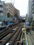 060703 不動前駅ホームから地下開口部を望む