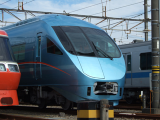 071020 [Rail]小田急ロマンスカーMSE:前面扉があったのか!