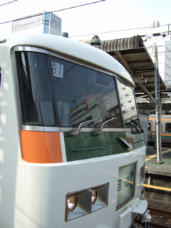 080317 3732M 湘南ライナー12号 品川駅9番 B編成使用初日(B1)